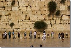 512px-Wailing_Wall_Jerusalem_Victor_Grigas_2011_-1-50